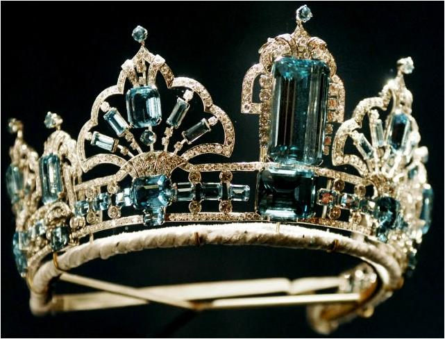 The Brazilian Aquamarine Parure Tiara